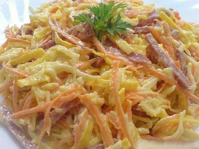 Приготовления салат из блинов
