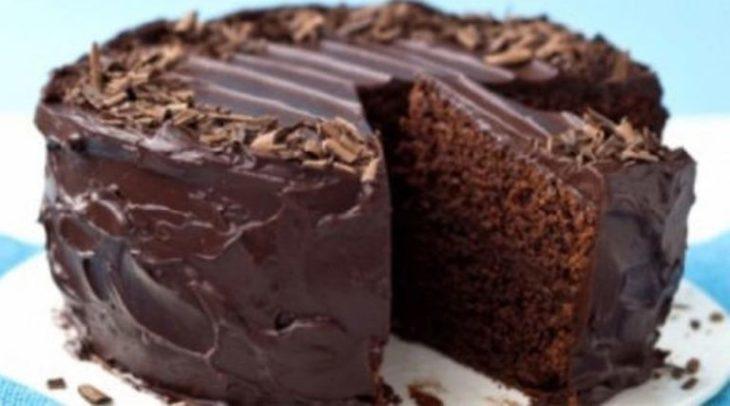 Я несколько лет жила в Париже и именно там научилась печь этот обалденный шоколадный пирог без яиц!