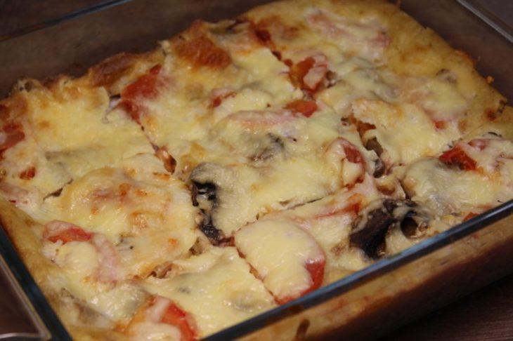 Готовила я пиццу «Чистая кухня» всего 10 минут (не учитывая время выпекания)! Без раскатки теста и возни!