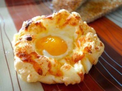 Яичные гнёзда на завтрак