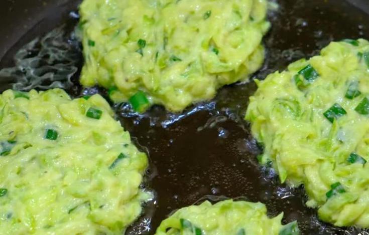 Самый удачный, простой и вкусный рецепт оладий из кабачков